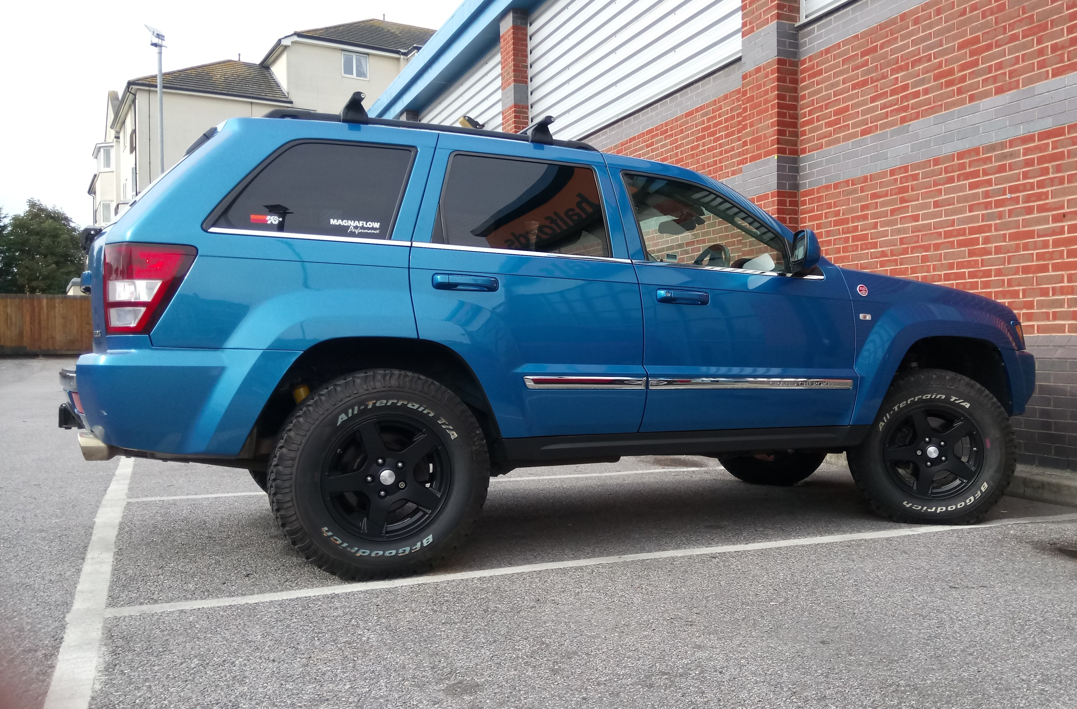 Hydro-blue-jeep