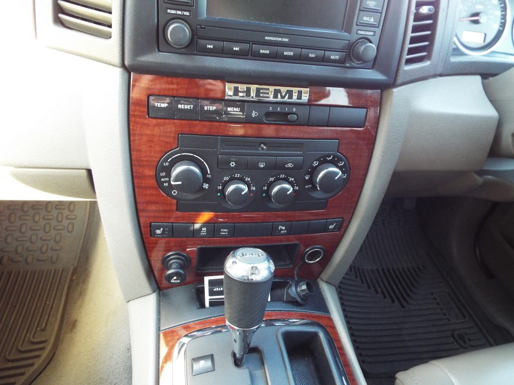 Center dash console JEEP GRAND CHEROKEE WK WH or COMMANDER XK XH 2005-7 Information Center Repair Kit
